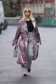 Ashley Roberts Arrives at Heart Radio in London 2020/09/23 2