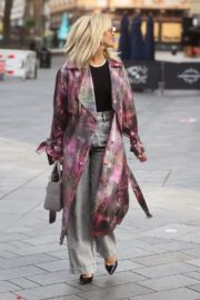 Ashley Roberts Arrives at Heart Radio in London 2020/09/23 3
