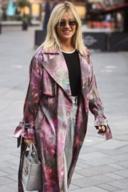 Ashley Roberts Arrives at Heart Radio in London 2020/09/23 5