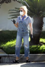 Ashley Tisdale in Denim Overalls Out House Hunting in Los Angeles 2020/09/18 2