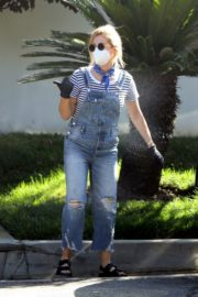 Ashley Tisdale in Denim Overalls Out House Hunting in Los Angeles 2020/09/18 5