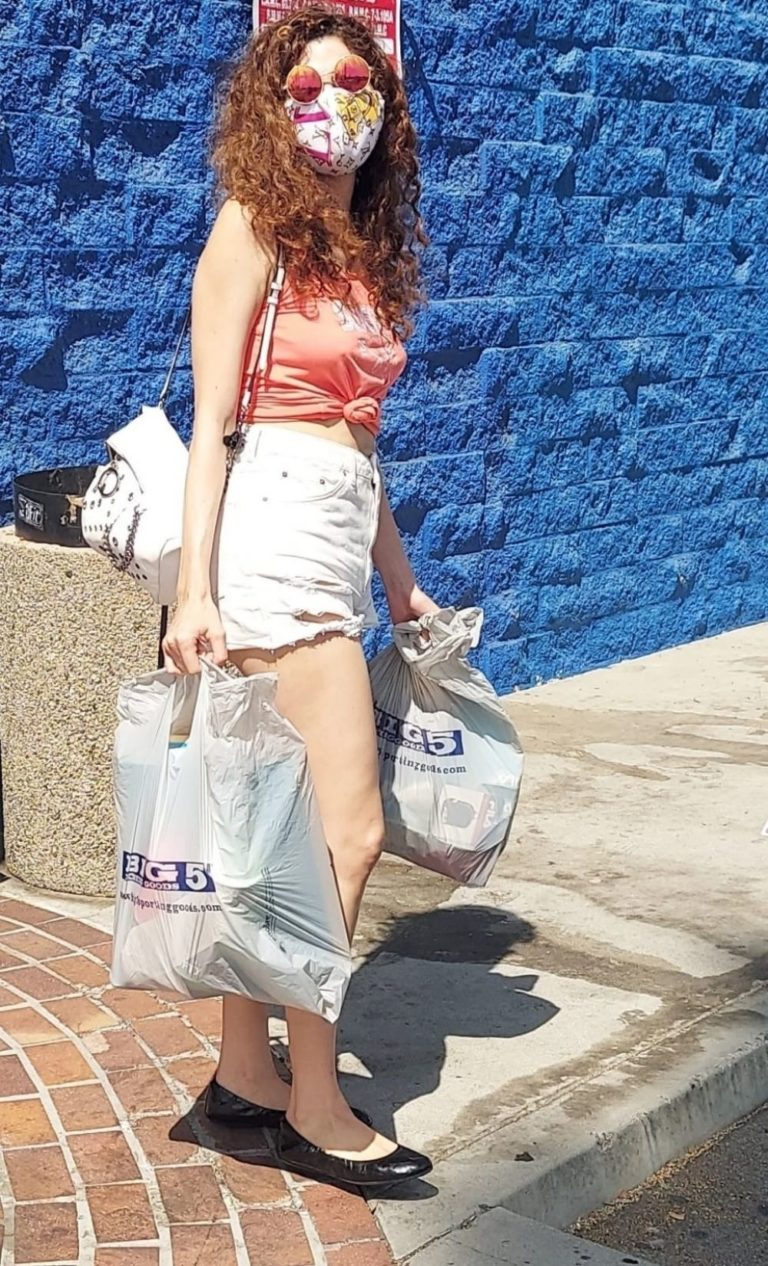 Blanca Blanco in Denim Shorts Out Shopping in Los Angeles 2020/09/20 10