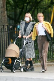Chloe Sevigny Out with her Baby and Friend in New York 2020/09/22 4