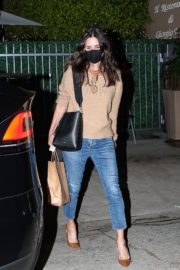 Courteney Cox Out for Dinner in Santa Monica 2020/09/22 5