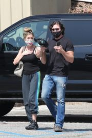Denise Richards and Aaron Phypers Out in Malibu 2020/09/23 1