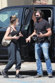Denise Richards and Aaron Phypers Out in Malibu 2020/09/23 3