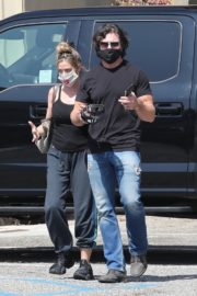 Denise Richards and Aaron Phypers Out in Malibu 2020/09/23 5