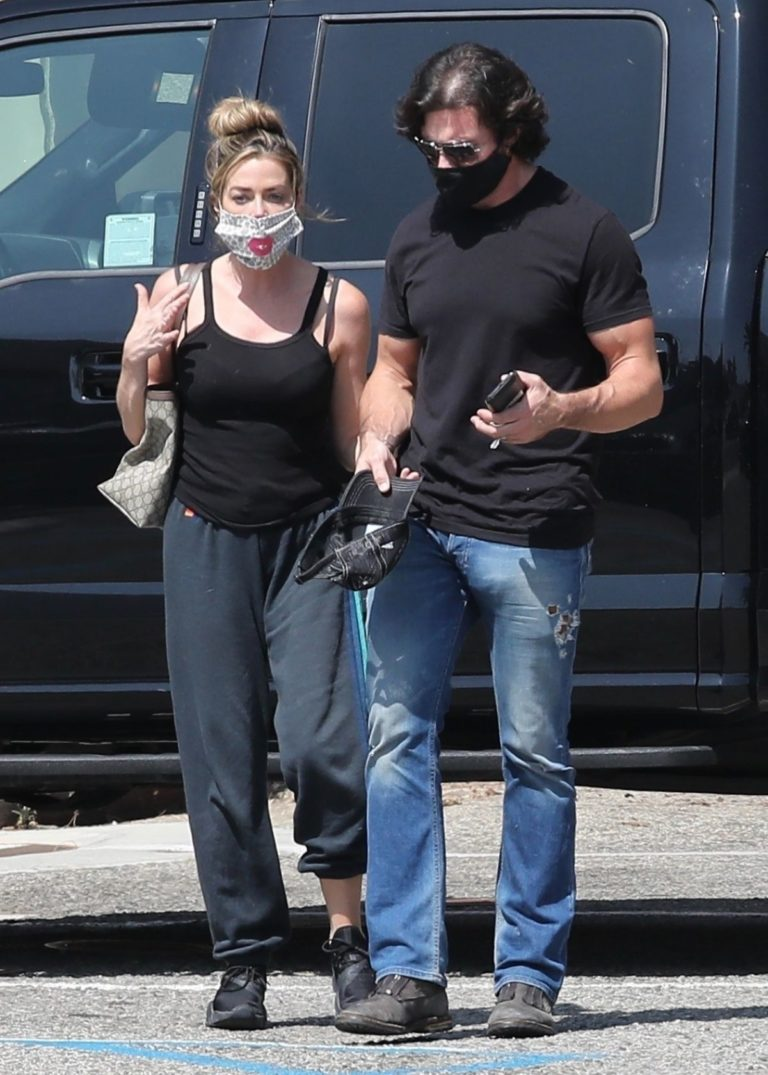 Denise Richards and Aaron Phypers Out in Malibu 2020/09/23 11