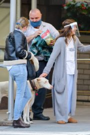 Drew Barrymore Comes to the Rescue of a New Yorker 2020/09/22 11