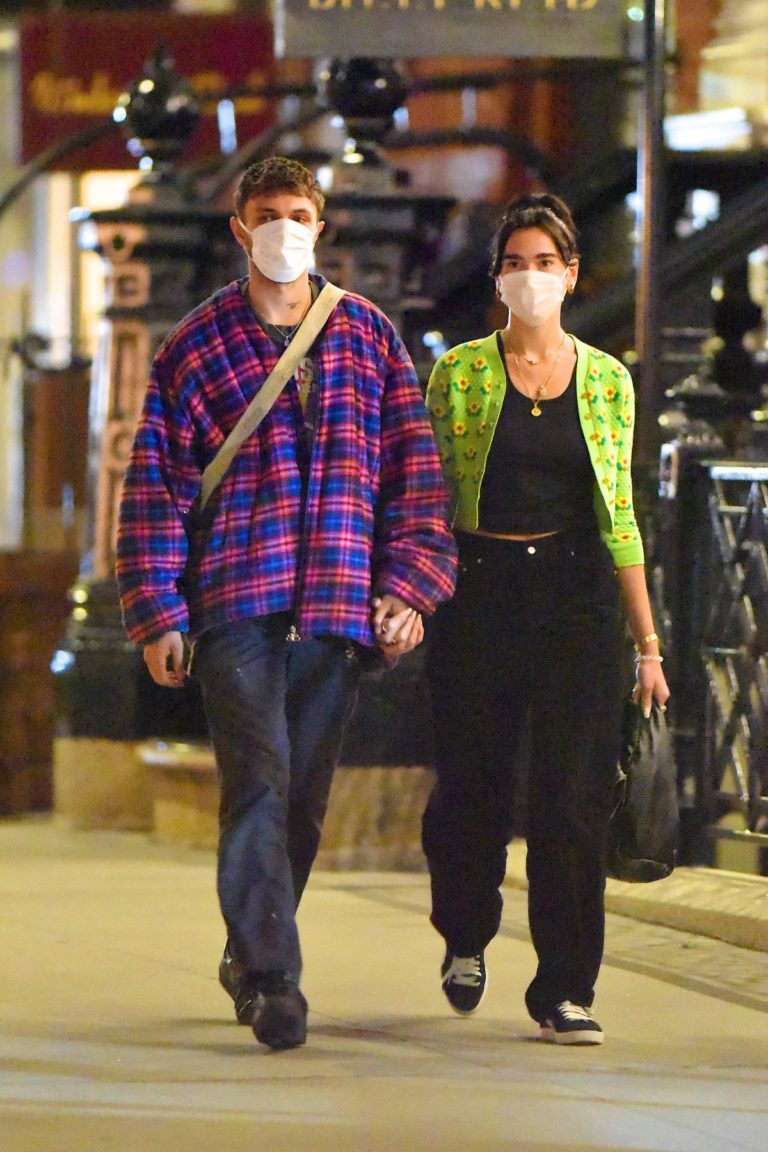 Dua Lipa and Anwar Hadid Out for Dinner in New York 2020/09/21 12