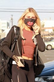 Emma Slater Arrives at DWTS Rehearsal in Los Angeles 2020/09/18 7