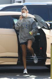 Hailey and Justin Bieber Out for Breakfast After a Workout in West Hollywood 2020/09/23 11