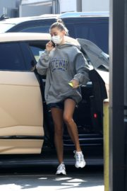 Hailey and Justin Bieber Out for Breakfast After a Workout in West Hollywood 2020/09/23 12