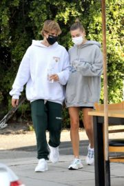 Hailey and Justin Bieber Out for Breakfast After a Workout in West Hollywood 2020/09/23 13