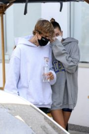 Hailey and Justin Bieber Out for Breakfast After a Workout in West Hollywood 2020/09/23 14