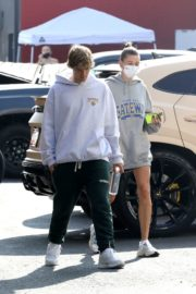 Hailey and Justin Bieber Out for Breakfast After a Workout in West Hollywood 2020/09/23 15