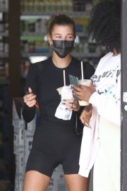 Hailey Bieber and Justine Skye Out for Juice after a Workout in Los Angeles 2020/09/21 3