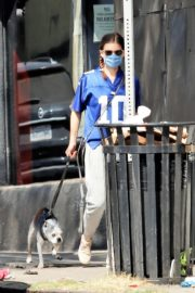 Kate Mara Out with Her Dog in Los Angeles 2020/09/20 6
