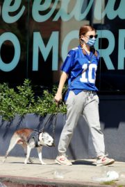 Kate Mara Out with Her Dog in Los Angeles 2020/09/20 9
