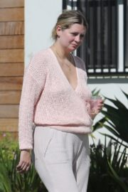 Mischa Barton Outside Her Home in Los Angeles 2020/09/19 1