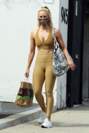 Peta Murgatroyd Leaves DWTS Rehearsal in Los Angeles 2020/09/18 4