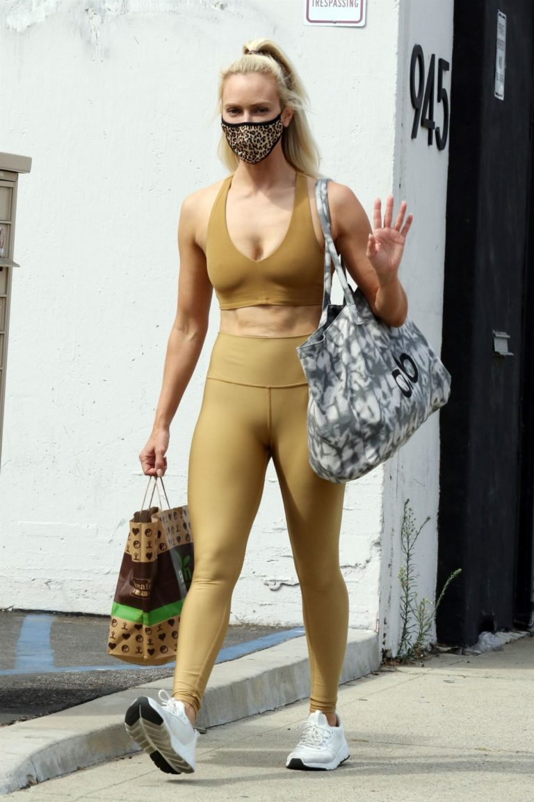 Peta Murgatroyd Leaves DWTS Rehearsal in Los Angeles 2020/09/18 10