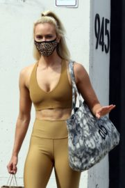 Peta Murgatroyd Leaves DWTS Rehearsal in Los Angeles 2020/09/18 15