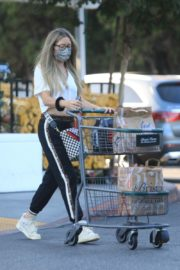 Rebecca Gayheart Shopping at Bristol Farms in Beverly Hills 2020/09/20 6