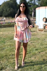 Yazmin Oukhellou on the Set of The Only Way is Essex 2020/09/15 1