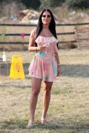 Yazmin Oukhellou on the Set of The Only Way is Essex 2020/09/15 3