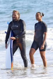 Zoe Saldana in Wetsuit at Surf Session in Malibu 2020/09/20 4