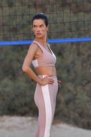 Alessandra Ambrosio Playing Volleyball at a Beach in Santa Monica 2020/10/02 2