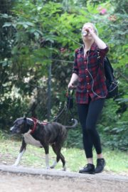 Amber Heard walks with her dog out in Los Feliz 2020/10/25 3