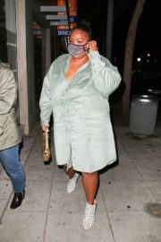 American Singer Lizzo Out for Dinner in West Hollywood 2020/10/24 4