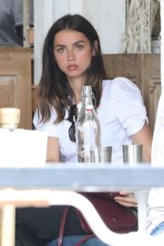 ANA DE ARMAS Out for Lunch with Friends in Los Angeles 2020/09/25 1