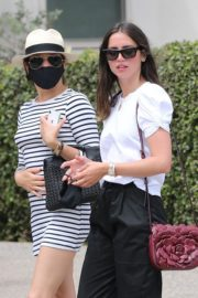 Ana de Armas Out for Lunch with Friends in Los Angeles 2020/09/25 7