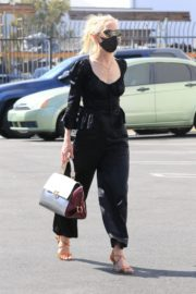 Anne Heche All in Black at DWTS Studio in Los Angeles 2020/10/01 2