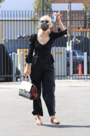 Anne Heche All in Black at DWTS Studio in Los Angeles 2020/10/01 4