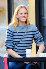 Anne Vyalitsyna Out for Coffee at The Kava in New York 2020/10/23 7
