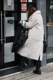 Arrives at Smooth Radio in London 2020/10/23 3