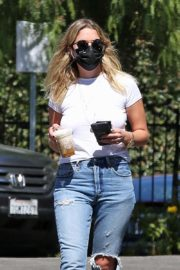 Ashley Benson and G-Eazy arrives at Their Home in Los Angeles 2020/10/02 10