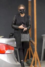 Ashley Benson Out for Lunch in Los Feliz 2020/10/24 2