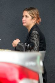 Ashley Benson Out for Lunch in Los Feliz 2020/10/24 12
