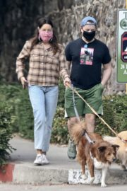 Aubrey Plaza and Jeff Baena Out with Their Dogs in Los Feliz 2020/10/24 2