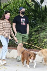 Aubrey Plaza and Jeff Baena Out with Their Dogs in Los Feliz 2020/10/24 5
