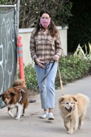 Aubrey Plaza and Jeff Baena Out with Their Dogs in Los Feliz 2020/10/24 7