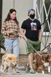 Aubrey Plaza and Jeff Baena Out with Their Dogs in Los Feliz 2020/10/24 11