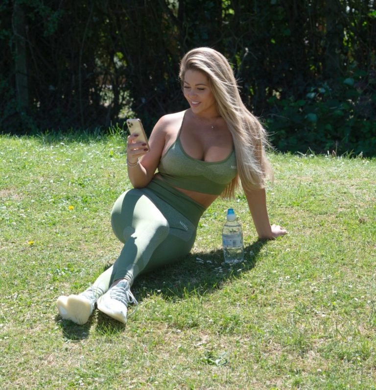 Bianca Gascoigne Workout at a Park in London 2020/10/01 6