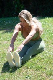 Bianca Gascoigne Workout at a Park in London 2020/10/01 8