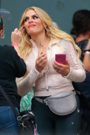 Busy Philipps on the Set of Girls5Eva in New York 2020/10/22 5